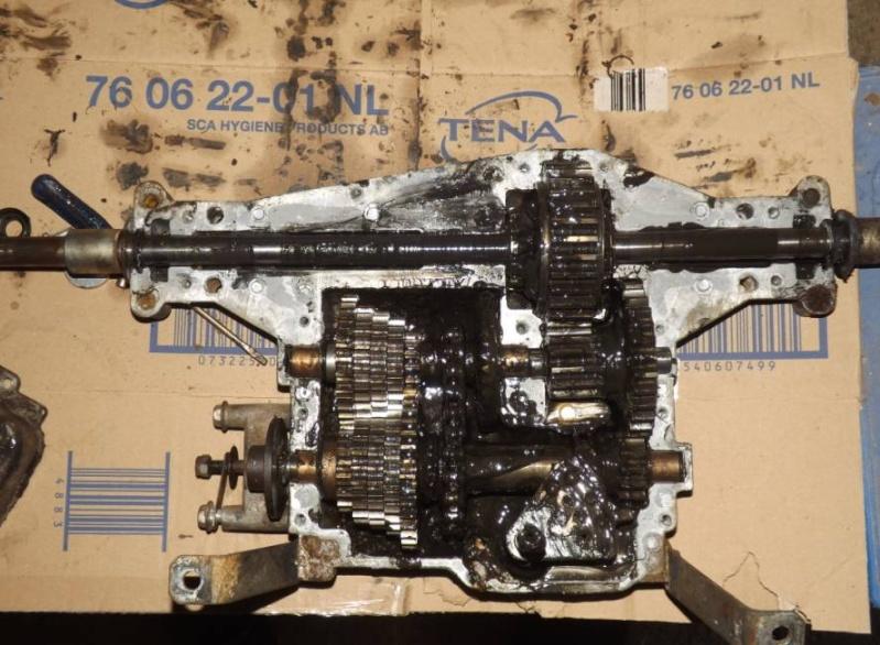 Changement courroie de transmission Stiga Esate Tornado + boite à vitesse 1110