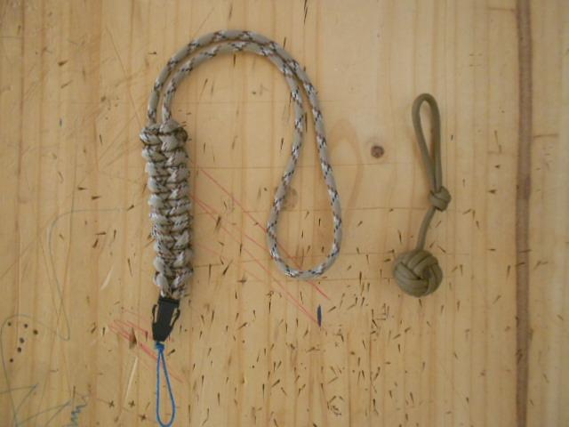 Noeuds décoratifs en paracorde Dscn3019