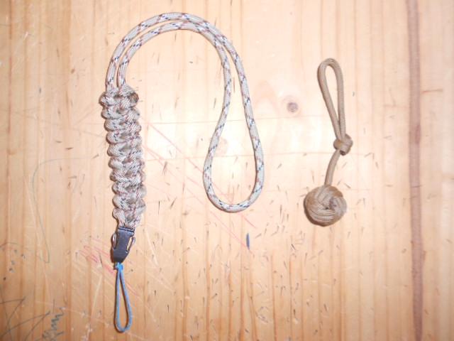 Noeuds décoratifs en paracorde Dscn3020