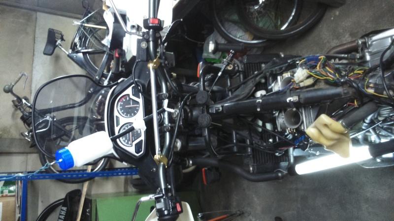 help mon moteur s'embale Dsc_0018