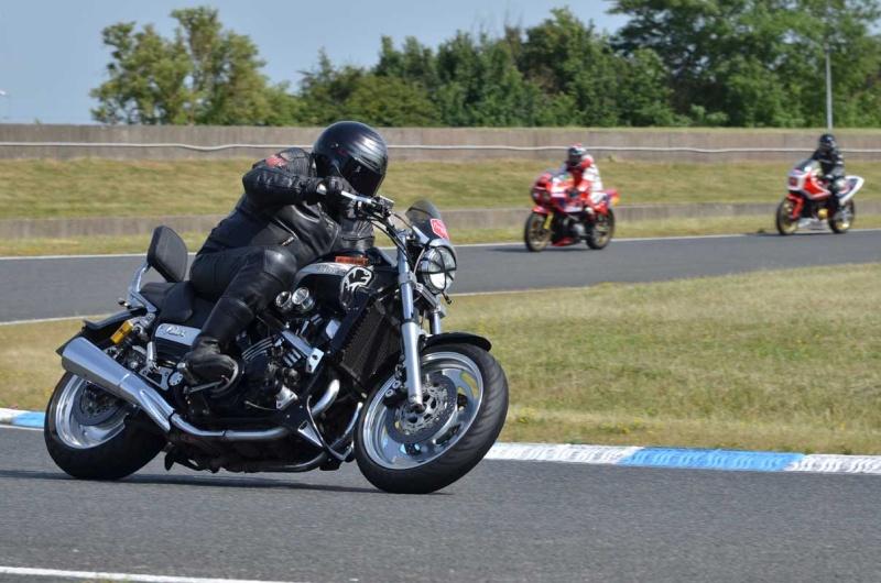 Classic Machines les 13 et 14 juin au circuit Carole - Page 9 Dsc_8213