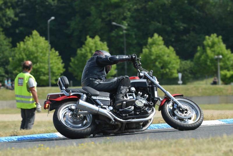 Classic Machines les 13 et 14 juin au circuit Carole - Page 9 Dsc_9312