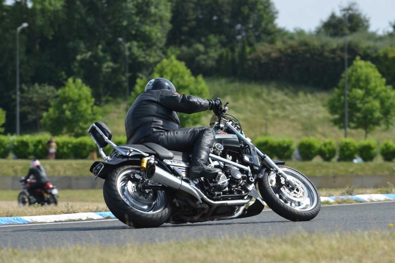 Classic Machines les 13 et 14 juin au circuit Carole - Page 9 Dsc_9314