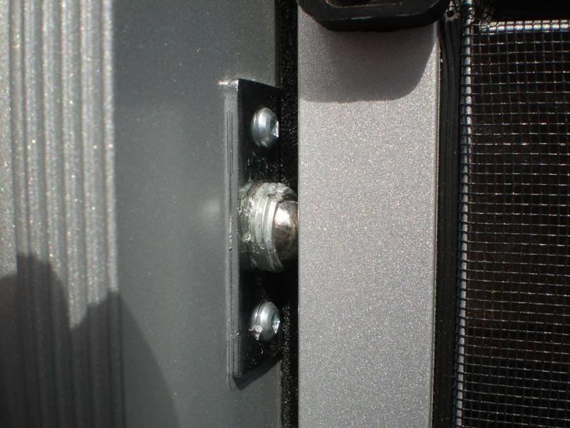 Clanche de porte moustiquaire P6180017