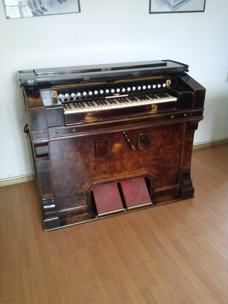 Harmonium J. Richard et C.ie - Etrepagny, Mod. n° 9 - 6 jeux 1/2 Cam00312