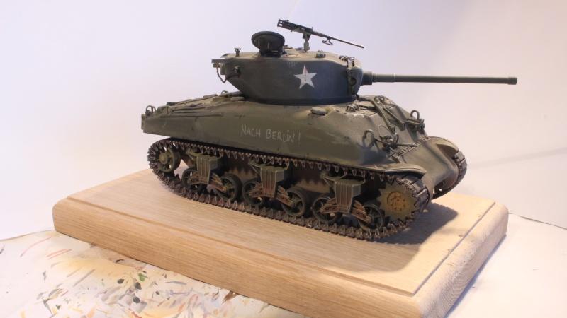 Sherman M4A1 1/35 ITALERI (n°225) Img_0035