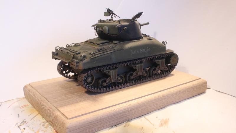 Sherman M4A1 1/35 ITALERI (n°225) Img_0036