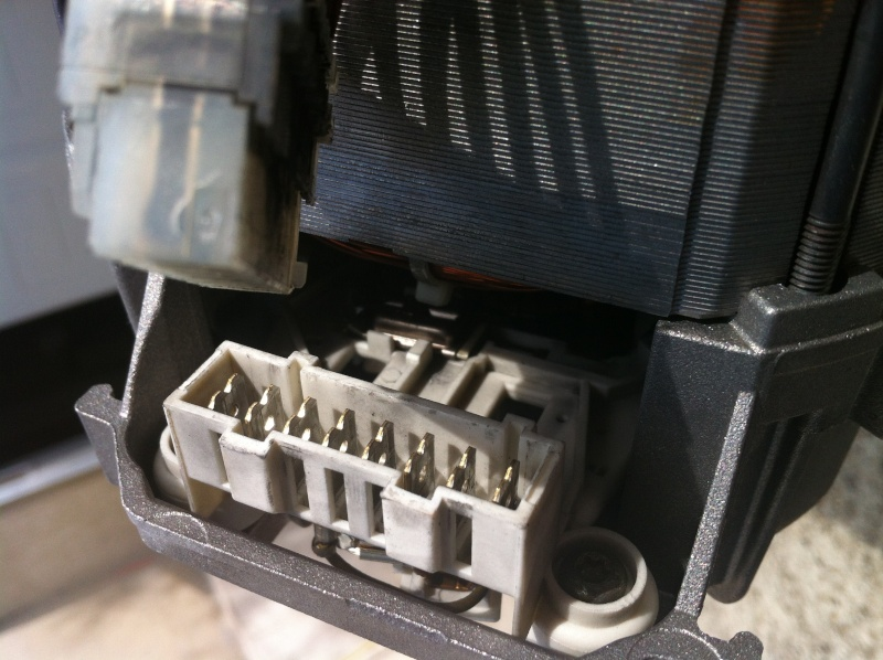 Moteur machine à laver 8 fils Img_2211