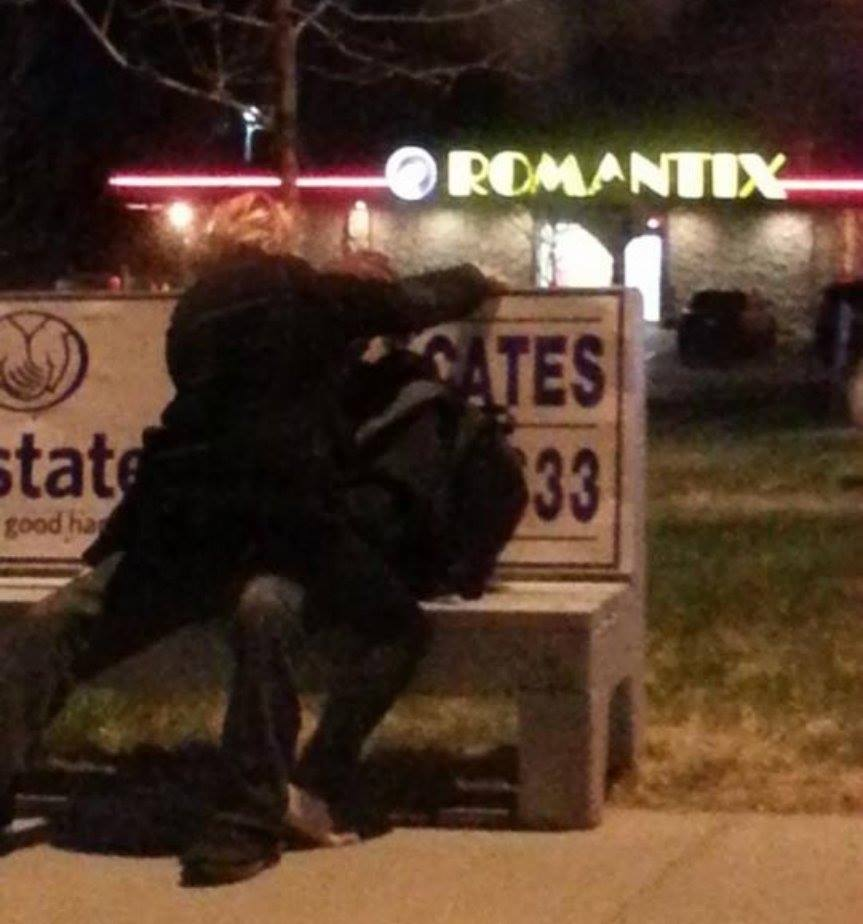 Love on a bus bench 10983310