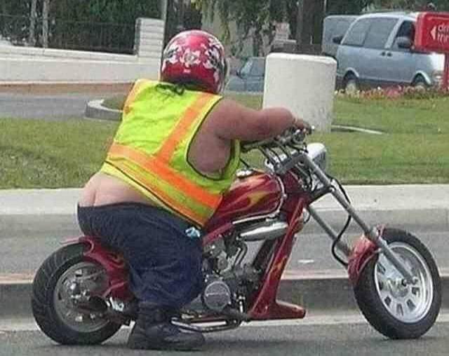 Biker Clevage.. Fan photos Assr210