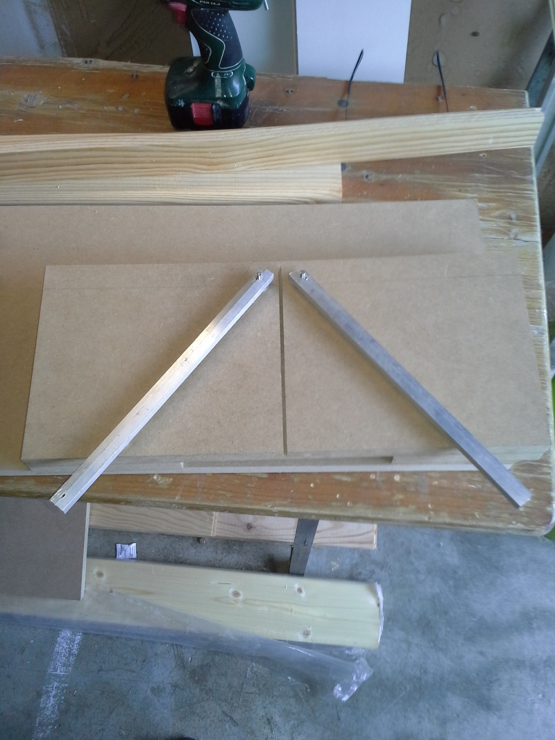 Gabarit tout angles pour scie à onglet radiale 311