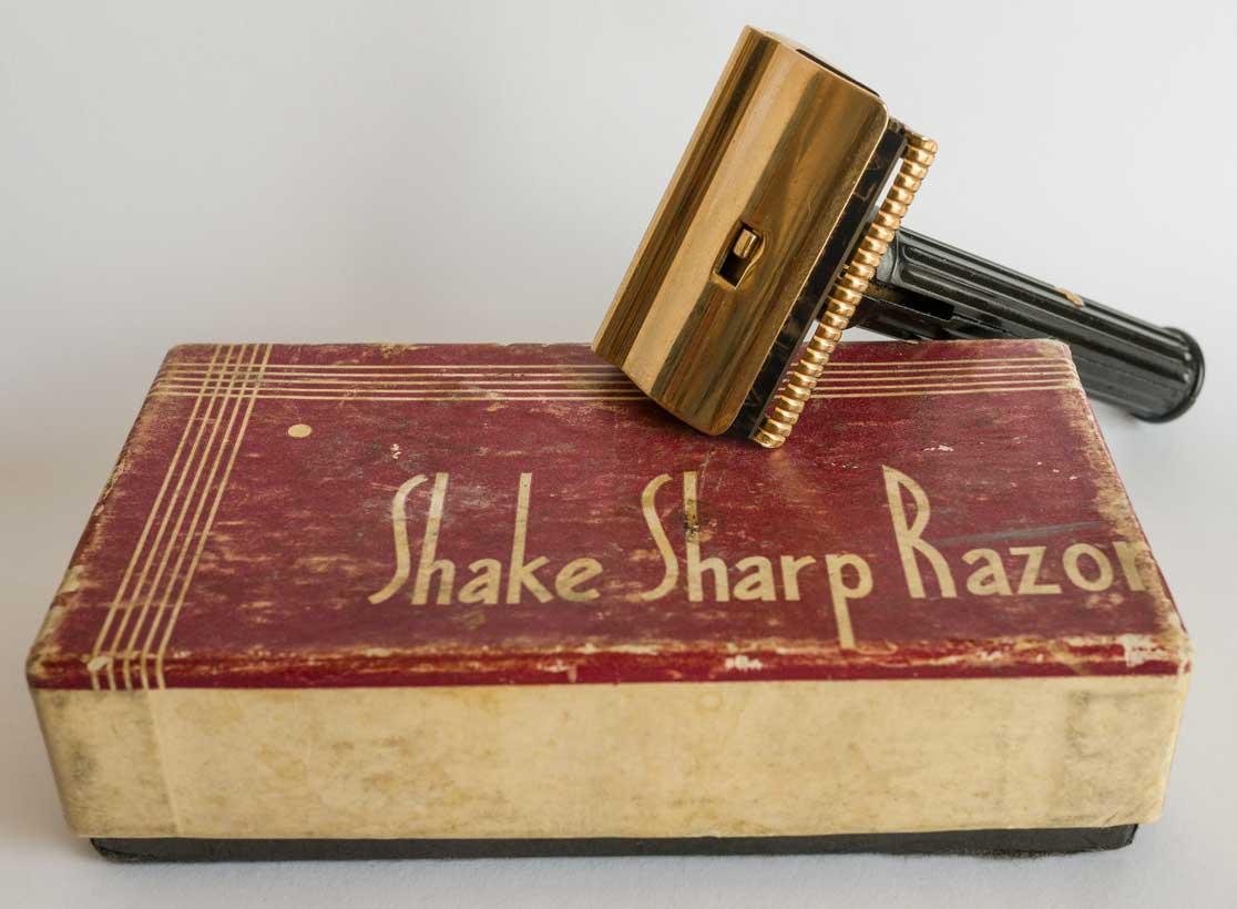 Shake Sharp SE avec affuteur, utilisant des lames de DE ! P1480710
