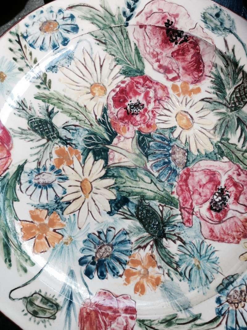 Please help identify glazed terracotta plate Photo_15