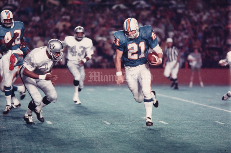 1970 Dolphins request Kiick10