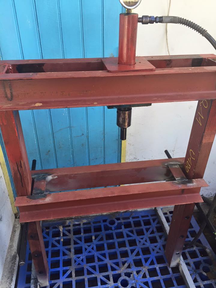 Presse maison avec verin 10 tonnes IRIMO Presse12