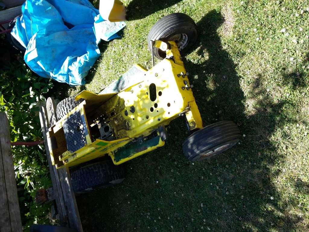 remise a neuf tracteur tondeuse BERNARD BM749 20150714