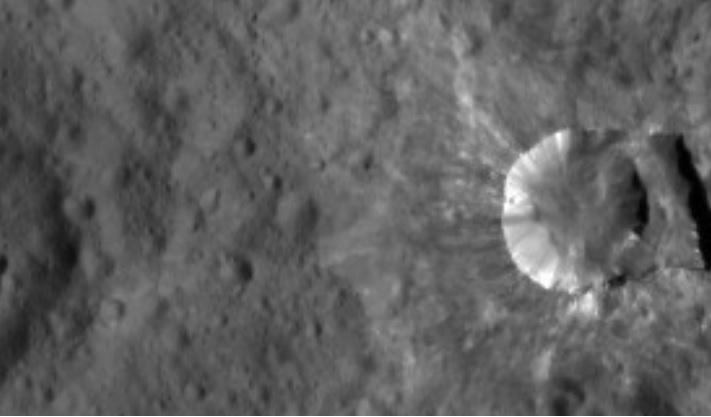 Incongruité ou OVNI du système solaire ? - Page 31 Ceres10