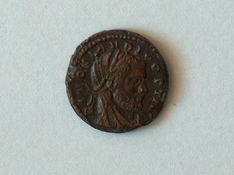 nummus de consécration de Constantin Ier pour Claude II Rome 51310