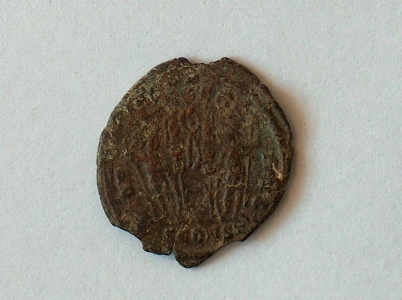 nummus Constantin II pour Arles 546f10