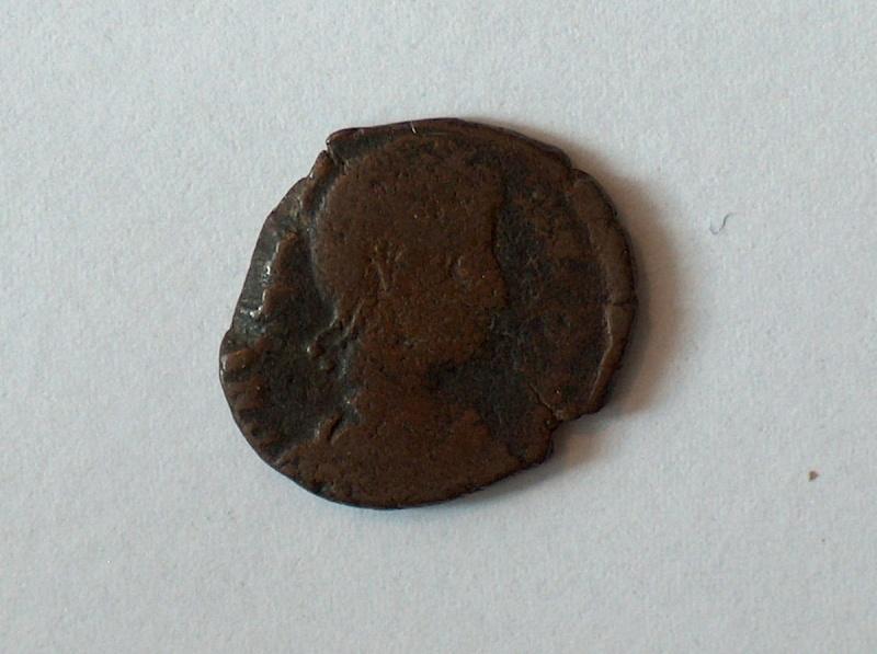 nummus  Constance II 61310