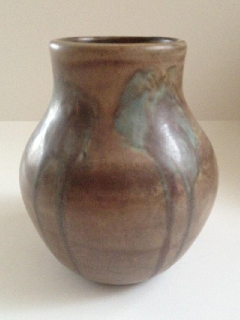 Unmarked Arts & Crafts (Mission, Prairie, Nouveau) vase? Arts_v11