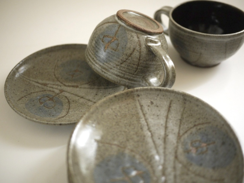 Unmarked studio pottery stoneware cups/saucers - Frances Senska, USA  Myster10