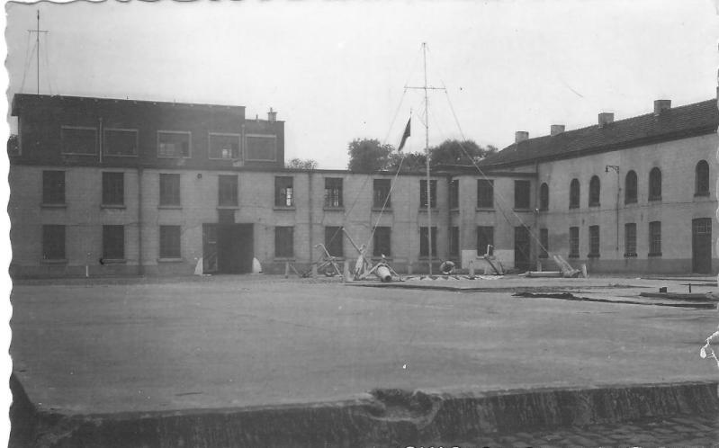 M902 J. E. Van Haverbeke (ex HMS Ready) - Page 4 Casern10