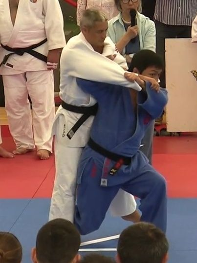 Deep Entry/Pivot Front vs. Back Entry/Foot in-front kuzushi Screen10