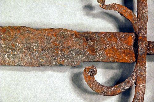 Une mystérieuse épée intrigue des chercheurs I-64f710