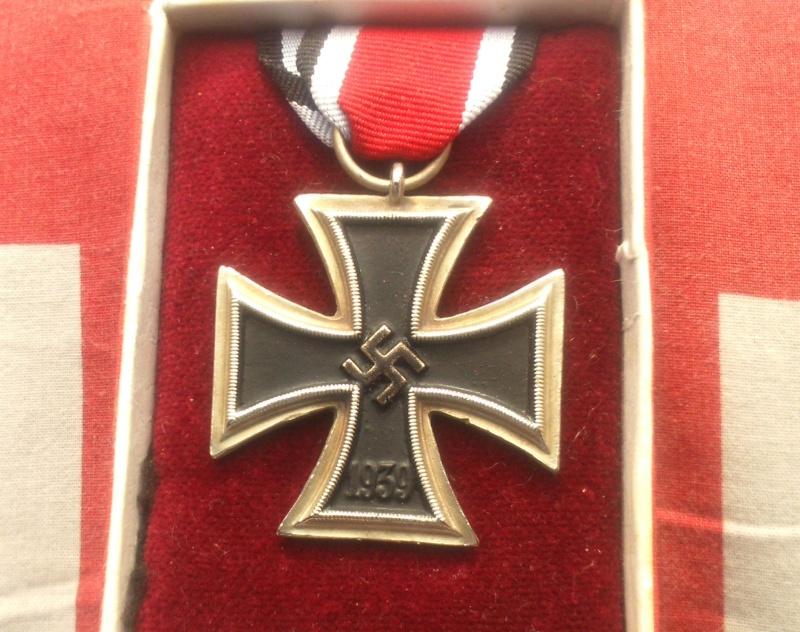 Qui pour identifier des badges Dsc_0812