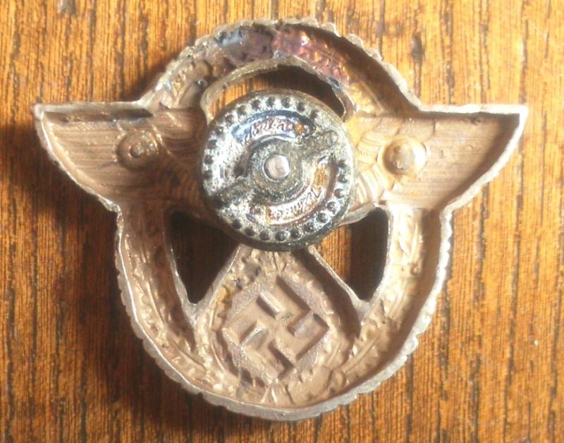 Qui pour identifier des badges Dsc_0911