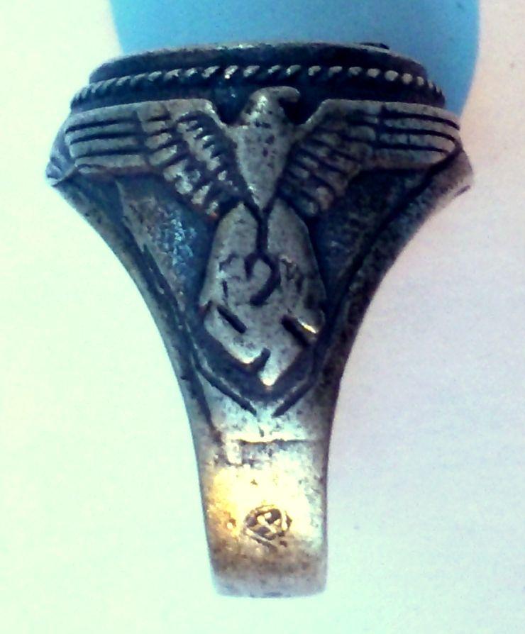 Qui pour identifier des badges Dsc_1913