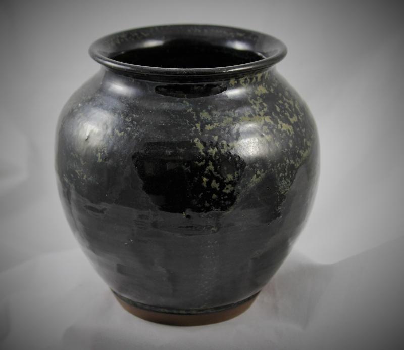 "Black and sponge 5"" tall pot Img_0815"