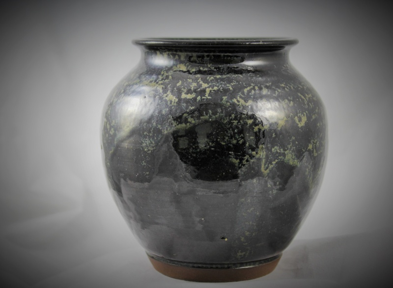 "Black and sponge 5"" tall pot Img_0816"
