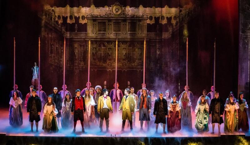 Comédie musicale : 1789, les amants de la Bastille - Page 3 Hier-s10