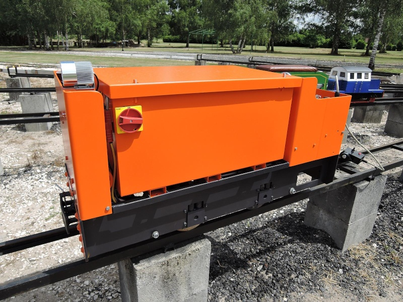 locotracteur de mines  à batteries Dscn0111