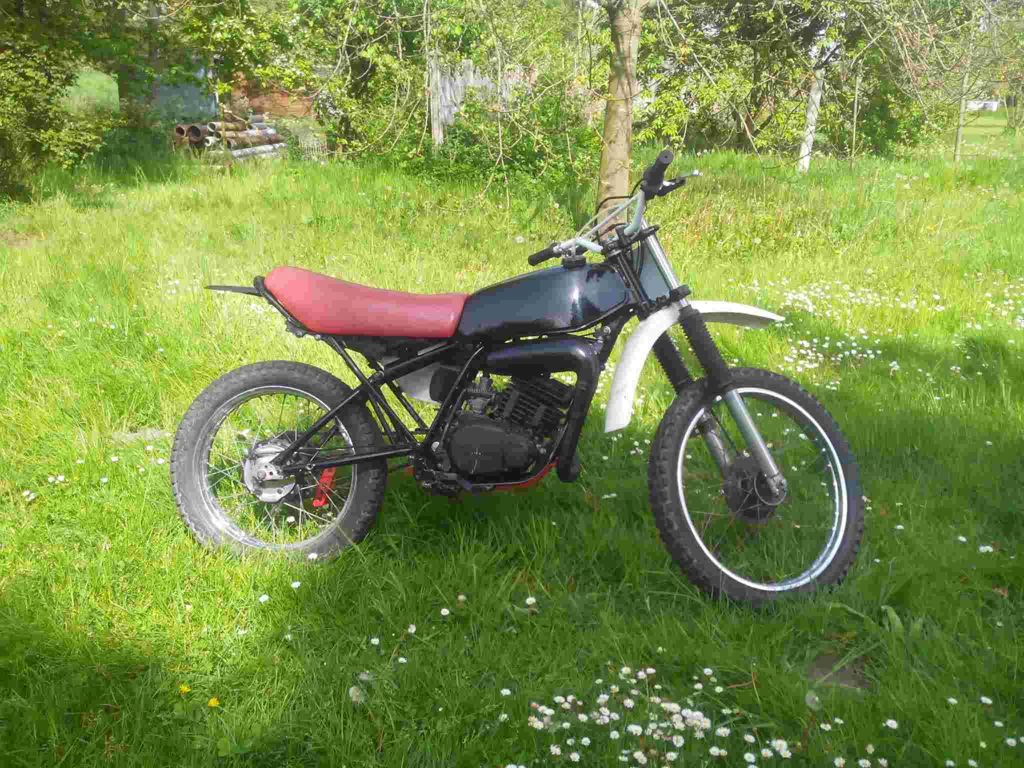DTMX 125 cc Membres / Mod. 1979 Img_2012