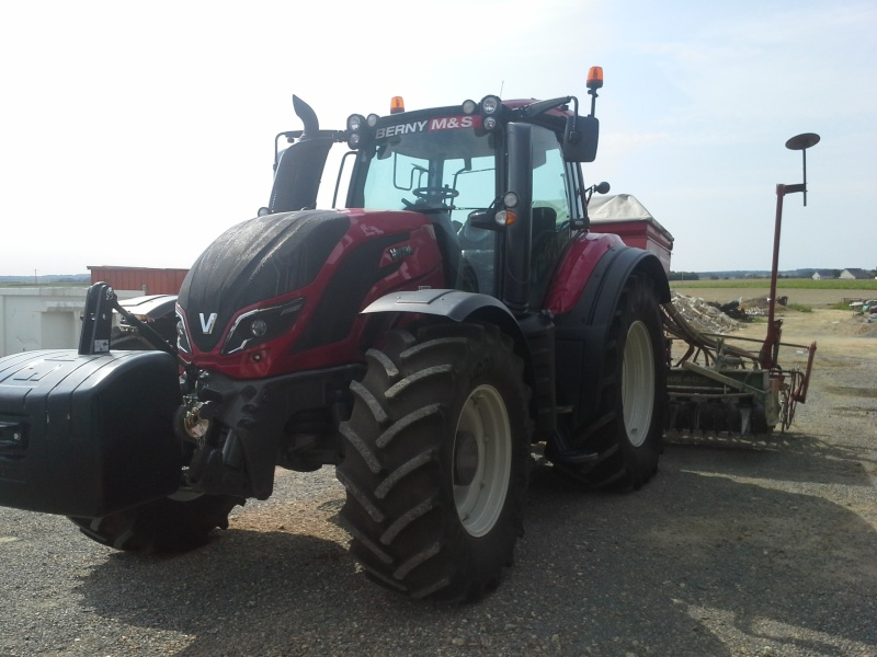 valtra t173 vs jd 6170M 20150811
