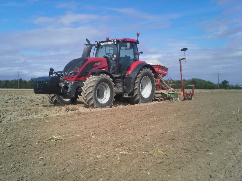 valtra t173 vs jd 6170M 20150814