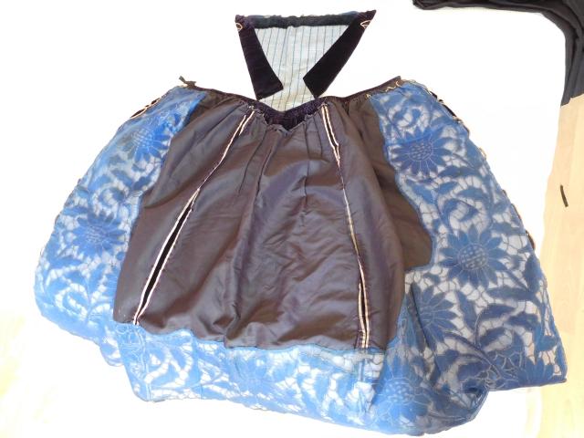 D'où viennent ces pièces de costume Dscn0218