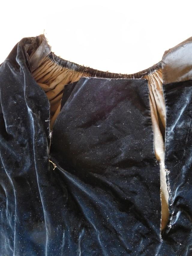 D'où viennent ces pièces de costume Dscn0221