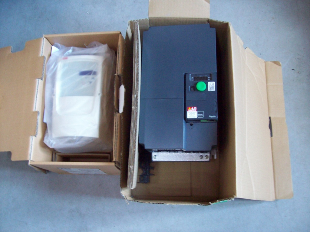 variateurs de vitesse Abb et Schneider 101_3012