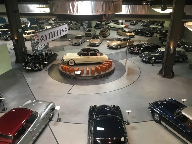 Mullin Automotive Museum....aux States 41558810