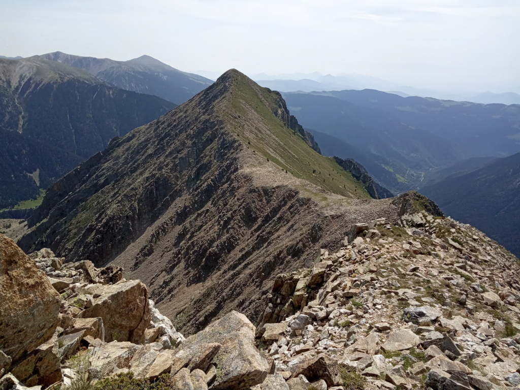 Topic:Deportes de Montaña..Escalada, Senderismo,Barranquismo....... - Página 10 Gra_de12