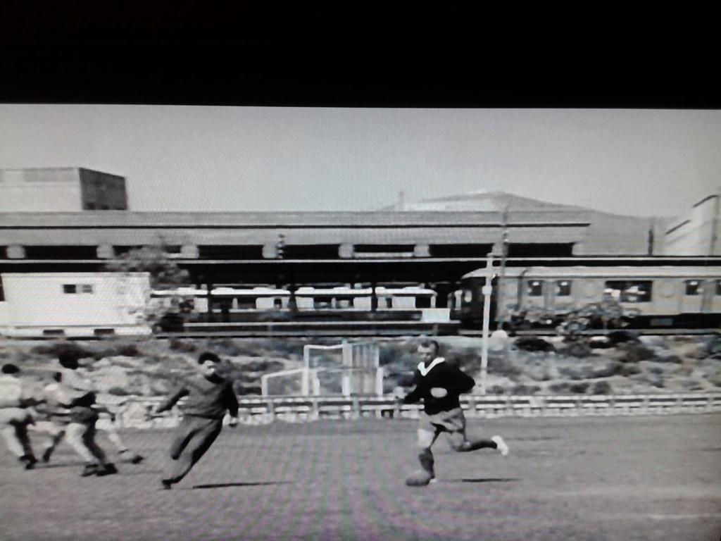 FOTOS HISTORICAS O CHULAS  DE FUTBOL - Página 9 Img-2027