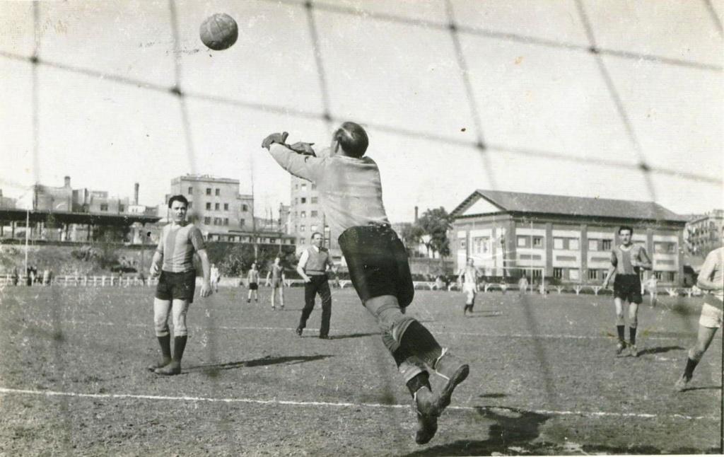 FOTOS HISTORICAS O CHULAS  DE FUTBOL - Página 9 Img-2028