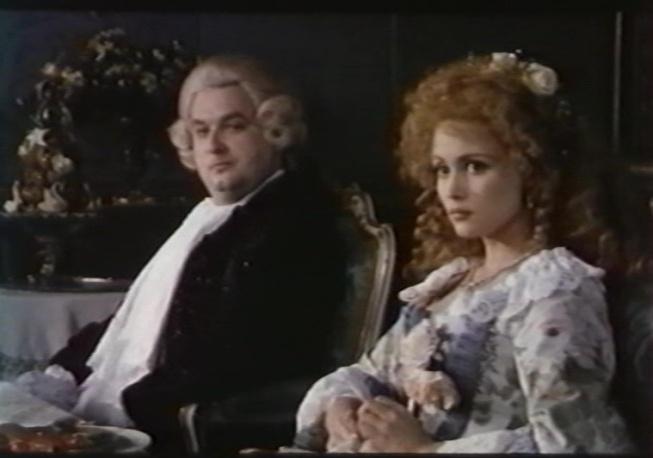 Marie Antoinette, reine d'un seul amour de Caroline Huppert, avec Emmanuelle Béart - Page 2 4rvkub10