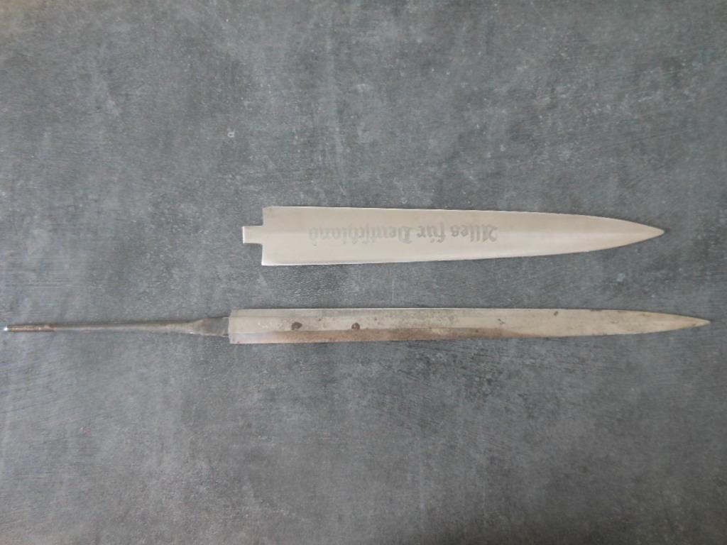 Identification fourreau et lame allemande Dscn6049