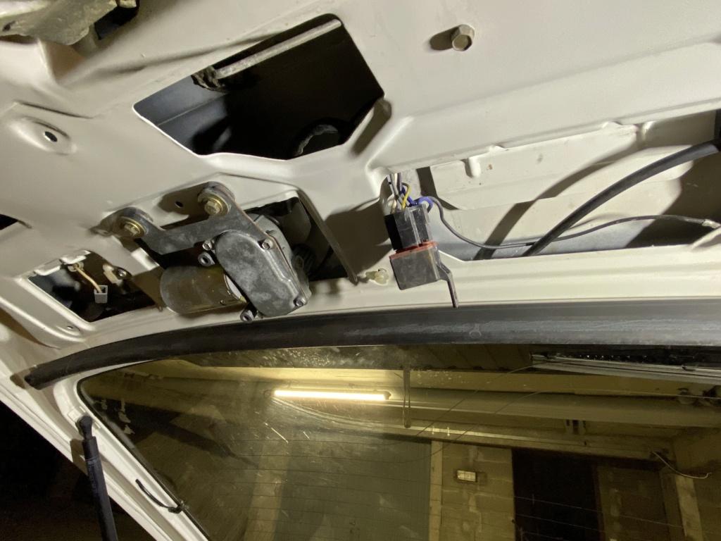Emplacement relais essuie glace arriere 2fac0f10
