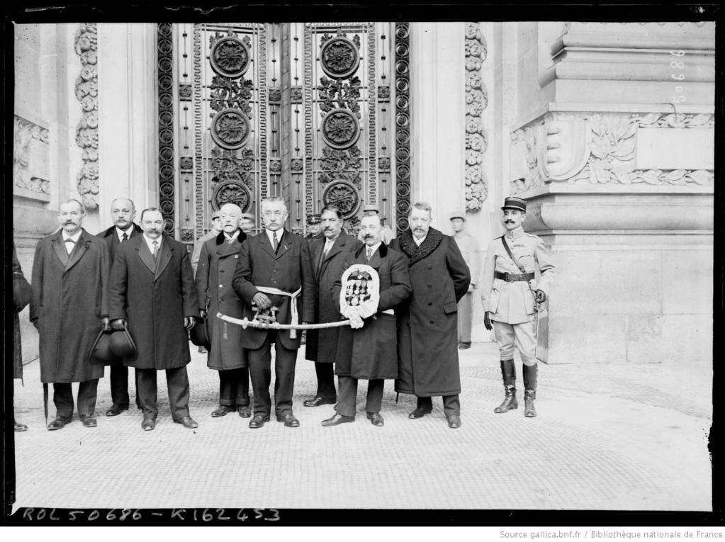 Un capitaine français reçoit les délégations Japonaises en France 1917/1920 9_sabr10